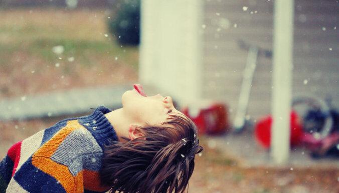 Kā izaudzināt laimīgu bērnu? Desmit zinātniski fakti, ko vērts ņemt vērā