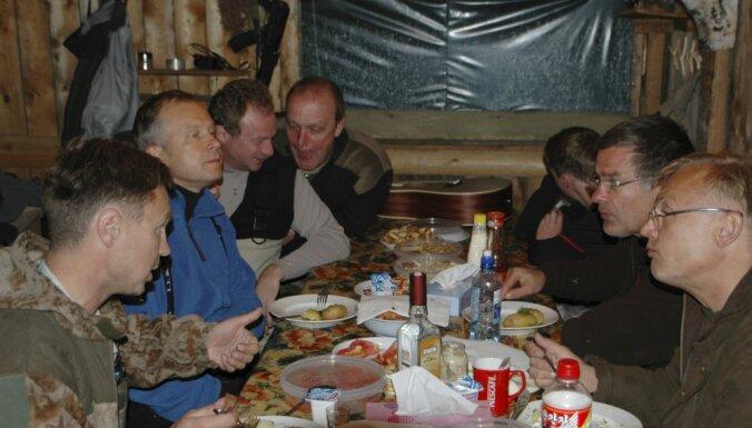 Кучинскис не отрицает подлинность скандальной фотографии Римшевича