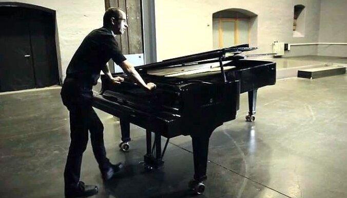 Spīķeros sagatavota koncertizrāde 'Pianista darbistabā'