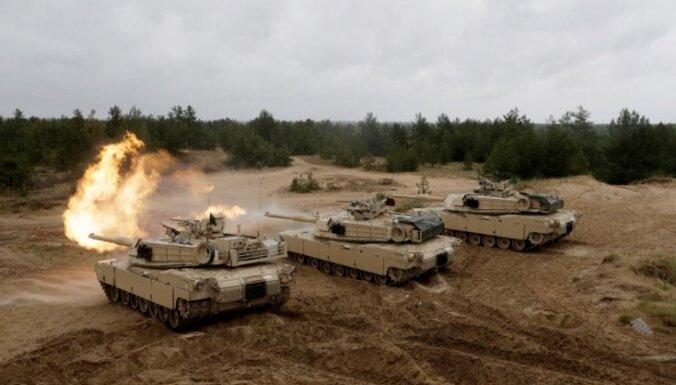 В Латвию перебрасываются 15 танков Abrams и БМП Bradley