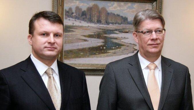Zatlers viendzimuma partnerattiecību jautājuma dēļ var zaudēt Šlesera atbalstu