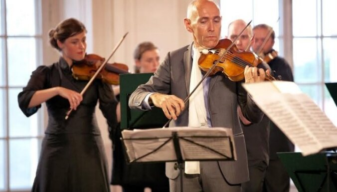 'Sinfonietta Rīga' spēlēs kopā ar baroka vijoļspēles virtuozu Enriko Onofri
