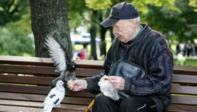 Средняя пенсия в Латвии — 190 латов