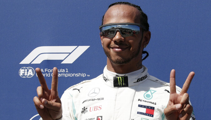 Hamiltons uzvar Meksikas 'Grand Prix' un tikpat kā nodrošina sesto čempiontitulu