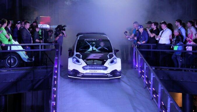 Foto: Motormuzejā prezentēta elektriskā rallijkrosa mašīna