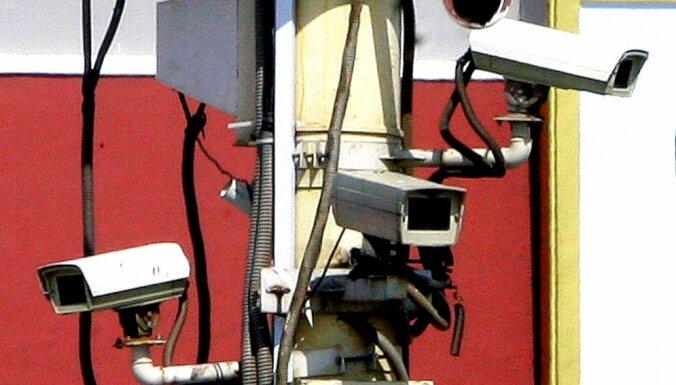 Госслужба начала использовать онлайн-камеры, чтобы контролировать выбрасывающие мусор машины
