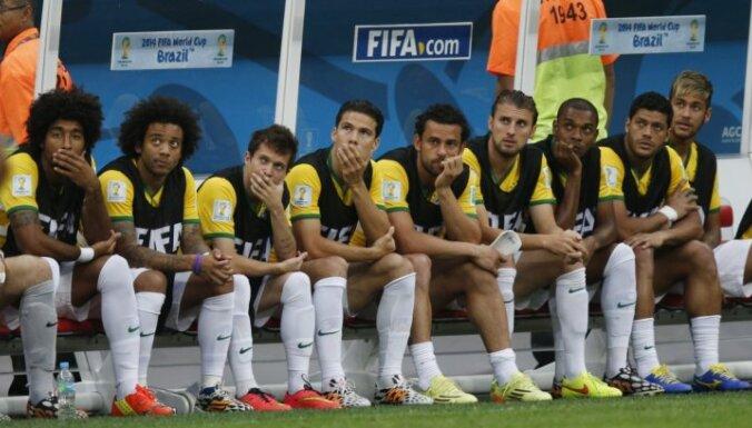 Тренер сборной Бразилии запретил игрокам носить серьги и шлепанцы