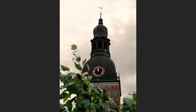 Часы на Домском соборе (c) EPA-AFI
