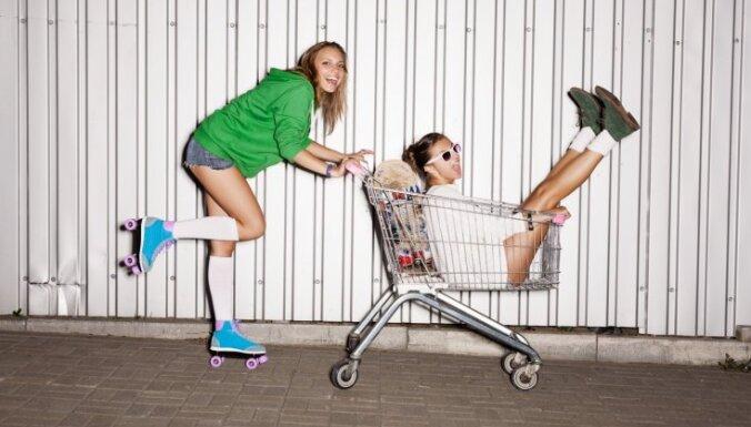 В Латвии в основном не учатся и не работают молодые мамы