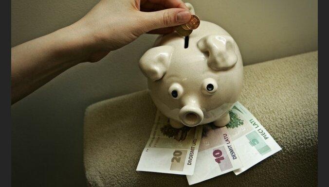 Aptur licenci un nolemj likvidēt 'VEF banku'