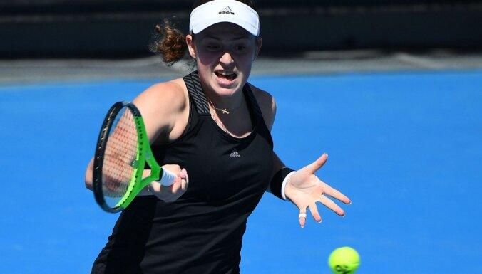 Ostapenko nepārvar 'French Open' dubultspēļu turnīra astotdaļfinālu