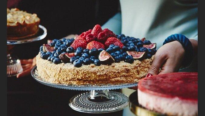 'Ceriņu mājas kūka' – recepte no Leldes Lietavietes
