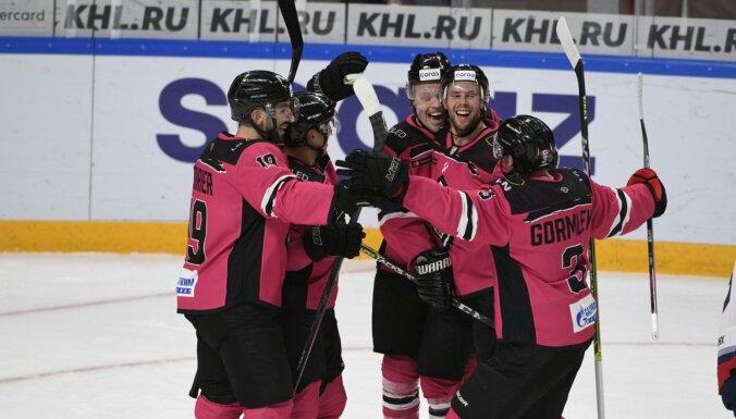 Rīgas 'Dinamo' pēc vēl vienas rezultatīvas uzvaras pietuvojas 'play-off' zonai