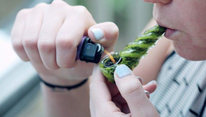 Фото курение марихуаны обколются марихуаной и