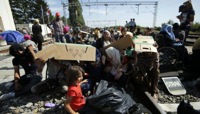 Виктор Орбан: мигранты угрожают существованию европейских границ