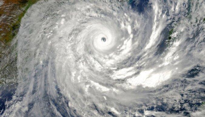 Ciklons Indijā paņēmis vairāku cilvēku dzīvības