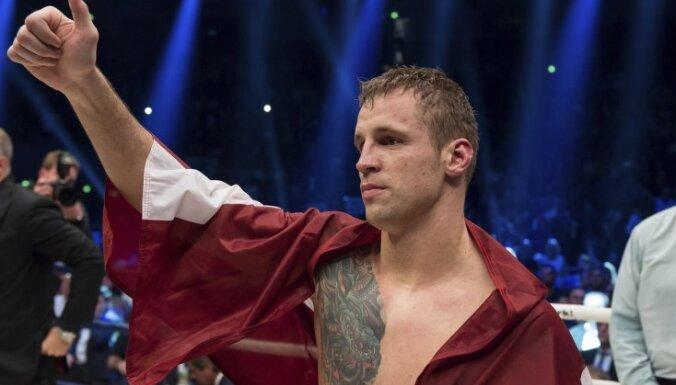 """""""Я научился боксировать без рук"""". Большое интервью с Майрисом Бриедисом"""