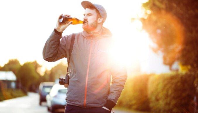 Kā alkohola lietošanas paradumi ietekmē atmiņu