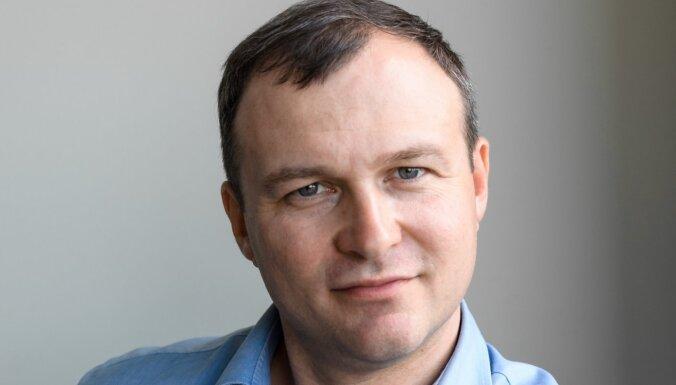 Aleksandrs Novoženovs: Nepieredzējuši pircēji tiešsaistē – viegla 'ēsma' krāpniekiem