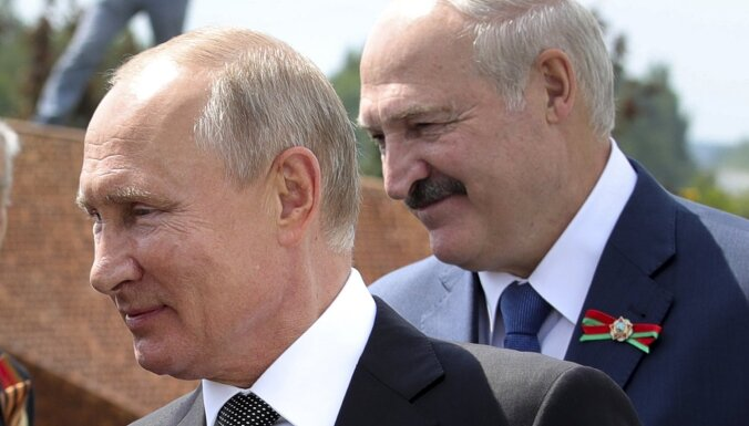'Delfi plus': Baltkrievijas 'demokrātija', vakcīna Krievijā un 'Mūsējās'