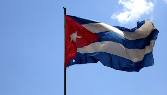 Кубинцам разрешили выезжать за рубеж без выездной визы