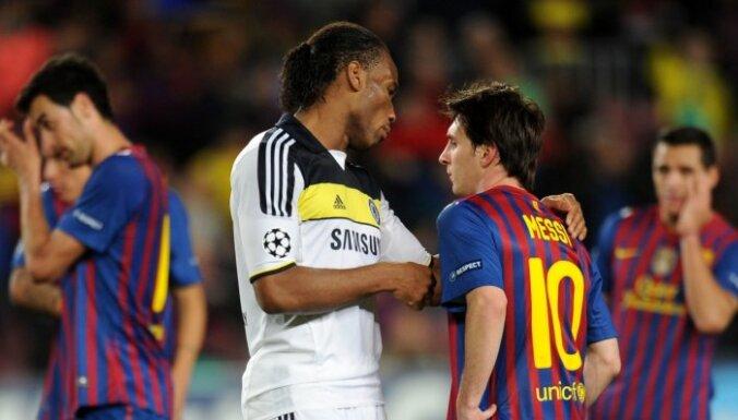 'Chelsea' futbolisti gāž 'Barcelona' no troņa