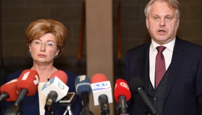 Deputāts Mežeckis: neesmu saistīts ar līdzekļu piesaisti 'No sirds Latvijai'