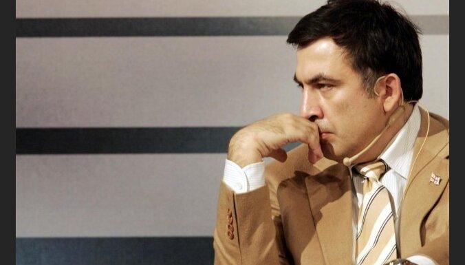 """Грузинская оппозиция требует от """"иностранных хозяев"""" Саакашвили забрать его обратно"""