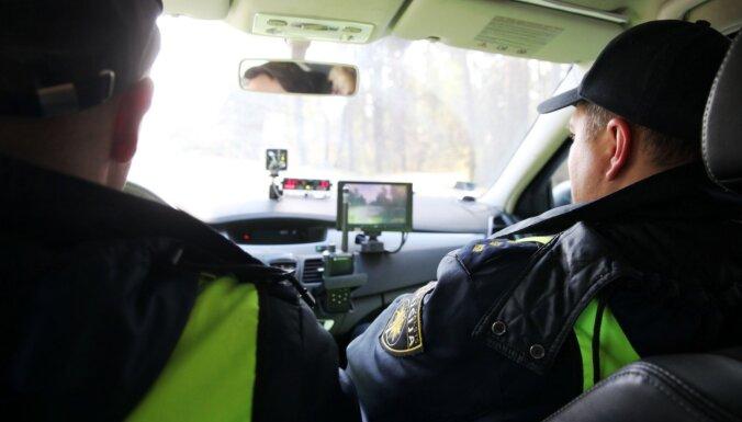 Saskrienoties ar kravas auto, Liepājā iet bojā elektroskrejriteņa vadītājs