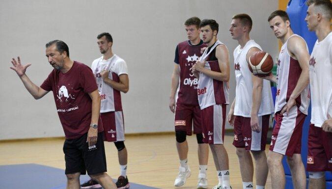 Foto: Latvijas basketbolisti oficiāli sāk gatavoties Pasaules kausa priekškvalifikācijai