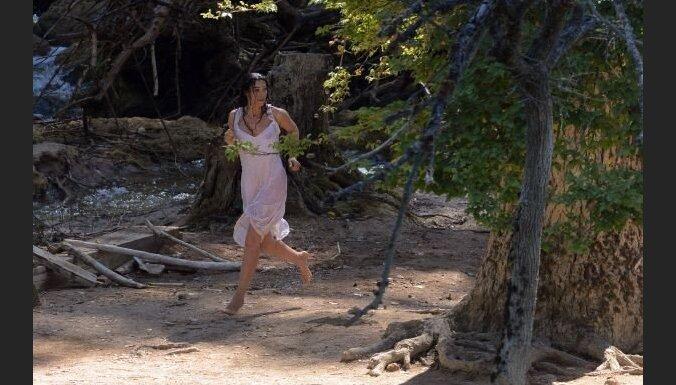 Nostalģija un lēts sentiments. Kusturicas jaunākās filmas 'Satikšanās uz Piena ceļa' recenzija