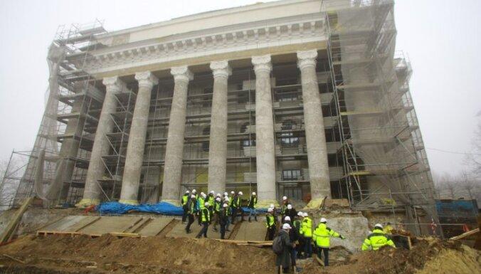 VEF kultūras pils rekonstrukcijas laikā atklāj dīvainības būvniecībā