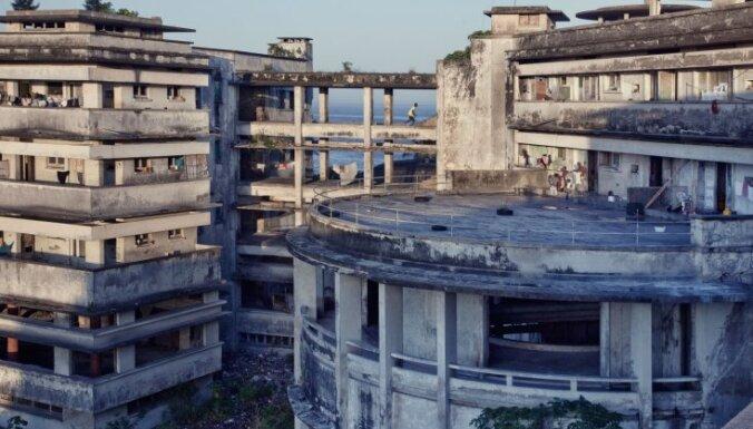 Kādreiz greznākā Āfrikas viesnīca, kas kļuvusi par 1000 bezpajumtnieku mītni