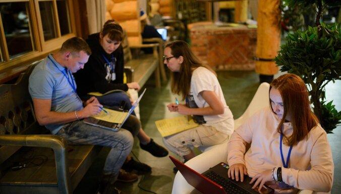 Vairāk nekā miljons eiro Latvijas jauniešu atbalstam