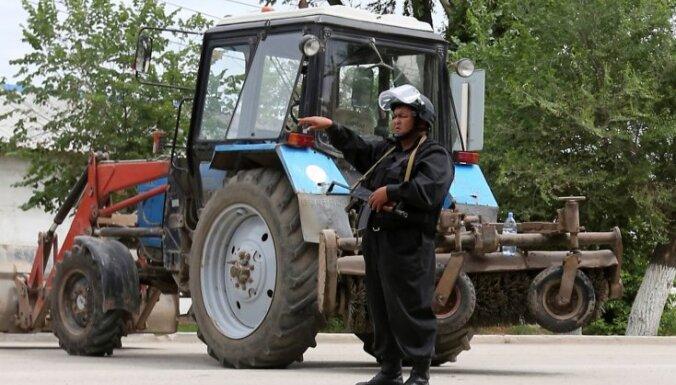 Мужчина напал на здание полиции в Алма-Ате: семеро погибших