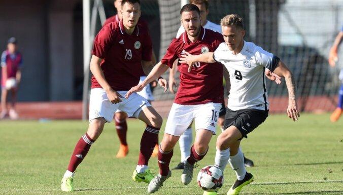 Foto: Latvijas futbola izlase Pātelainena debijā Baltijas kausa mačā uzvar Igauniju