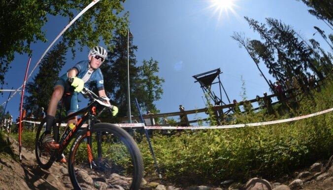 Foto: Lieliskā gaisotnē Siguldā aizvadīts Latvijas čempionāts MTB Olimpiskajā krosā