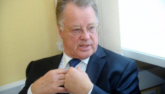Улманис призвал политиков забыть о деньгах и личной выгоде