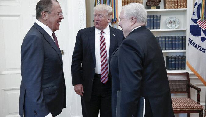Tramps Lavrovam atzinis, ka viņu nesatrauc Maskavas iejaukšanās ASV vēlēšanās, ziņo laikraksts