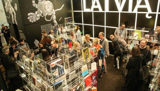 'Latvian Literature' ceļ trauksmi – literatūras nozares veiksmes stāsts draud strauji aprauties
