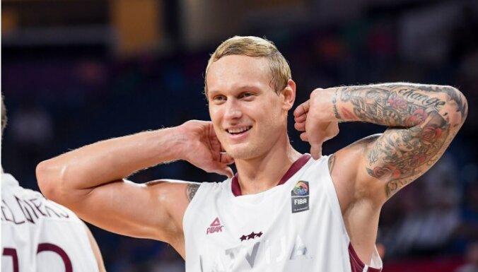 Latvijas basketbola izlases kandidātu sarakstā PK kvalifikācijai iekļauj arī Eirolīgas spēlētājus