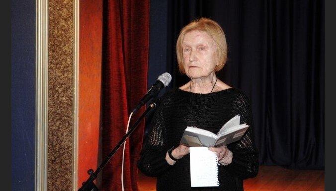 Paziņoti Latvijas Literatūras gada balvas nominanti; mūža balva – Veltai Sniķerei