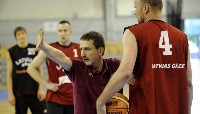 'MVP': Spļāviens akā, pērkamie tiesneši un Trajkovičs par Latvijas basketbolu