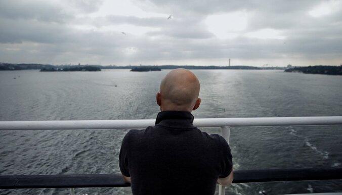 Zviedru dokumentālisti filmā stāsta par bijušo cietumnieku no Latvijas