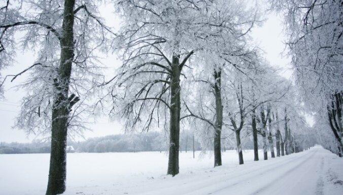 Trešdienu sola aukstu un bez nokrišņiem