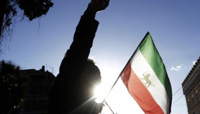 Irāna noraida kodolvienošanās pārskatīšanu