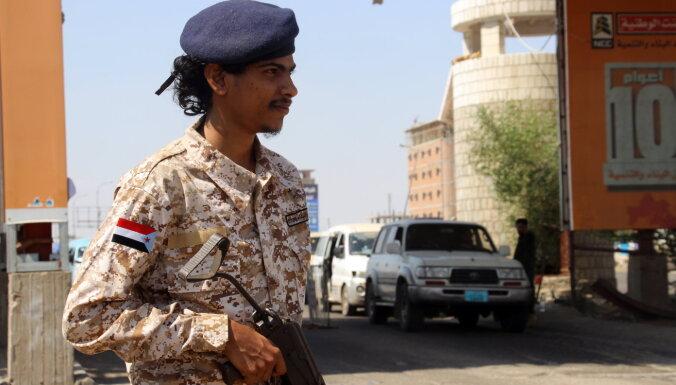 Saūda Arābija un Jemenas nemiernieki aizvadot neformālas miera sarunas