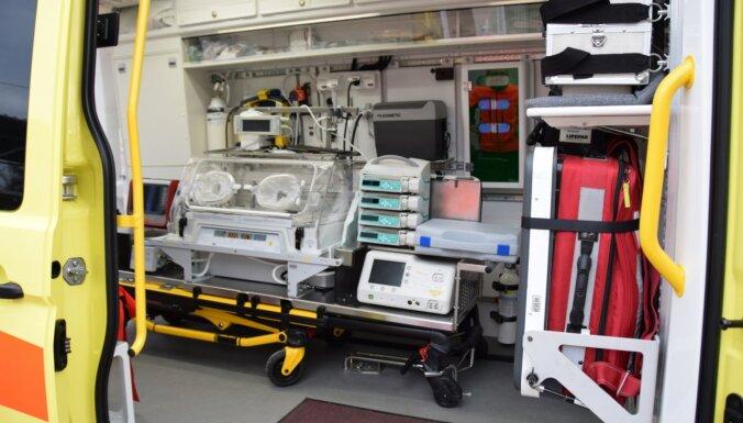 NMPD iegādājas jaunu auto priekšlaikus dzimušu un jaundzimušu bērnu glābšanai