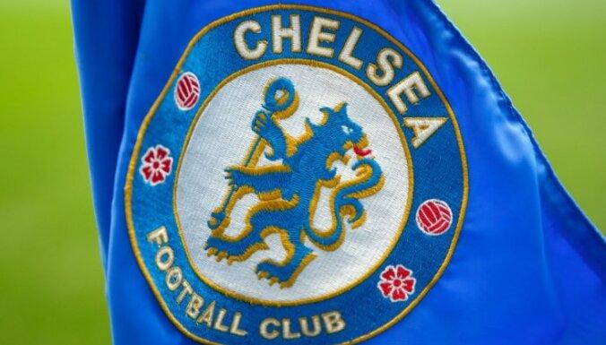 Tiesa uz trim gadiem diskvalificē rasistiski noskaņotu 'Chelsea' līdzjutēju