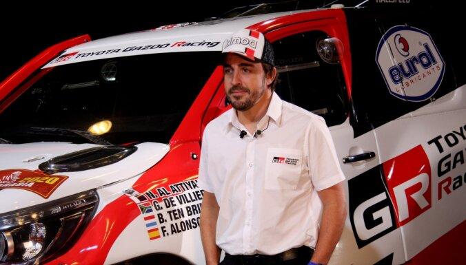 Alonso 2020. gada Dakāras rallijā dosies ar 'Toyota'